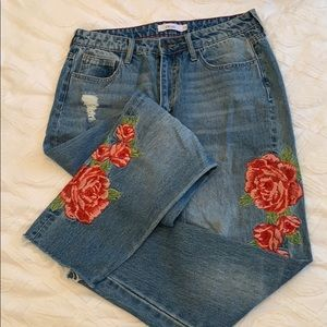 rose 🌹 embroidered highwaist boyfriend jeans